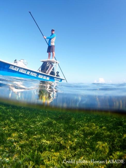 Pêche en bateau sur les flats
