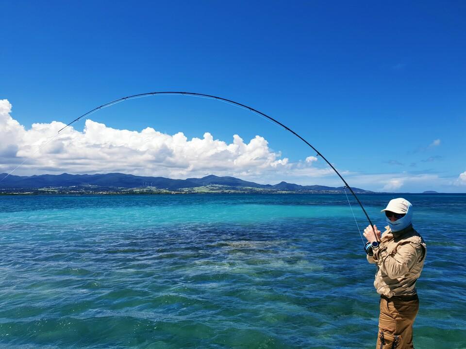 Le lagon et ses nuances de bleu.
