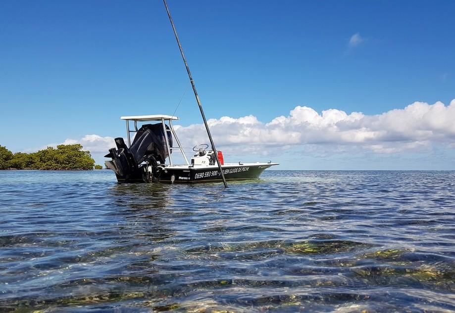 Mon bateau, le skiff, arme redoutable pour aborder les flats.